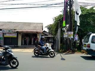 Dijual Rumah + 1 Ruko Pinggir Jalan Raya