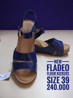 NEW Fladeo kickers, size 39