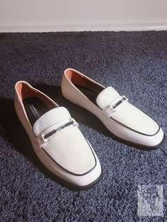 Newbark leather loafers type shoes new condition