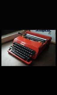 Olivetti Valentine 經典款  打字機