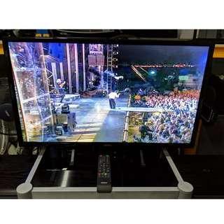 """AKIRA 32"""" LED TV"""
