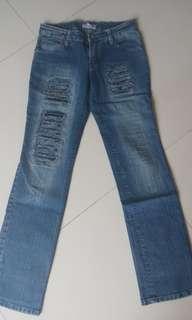 (FREE ONGKIR) Jeans ripped  model standar