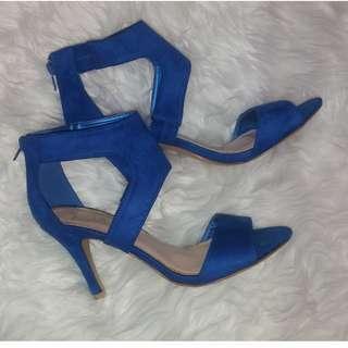 NWOT Royal Blue heels sandals