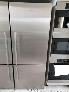 🚚 Fisher & Paykel 2 door fridge