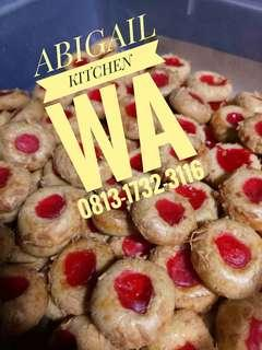 STRAWBERRY THUMBPRINT COOKIES KUE KERING