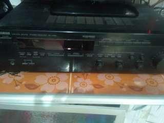 Amplifier set sama speaker(amplifier merk yamaha, speaker mrk sonny)