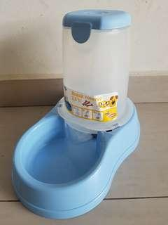 Stefanplast kibble food dispenser for dogs and cats