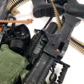 HK$28/全部 ~ 12吋 G.I.JOE公仔配件, 武器, 槍, 鞋, 水壺, 口罩