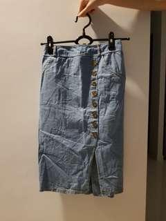 Denim skirt with side slit