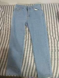 中高腰直筒牛仔褲