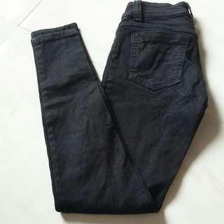 Celana Jeans Hitam Size 28