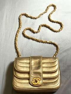 "Authentic ""RARE"" Vintage CHANEL Double Flap Bag in Gold Hardware"