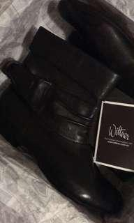 Wittner's black womens ankle boots size 7