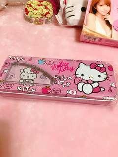 🚚 Kitty鐵製雙層鉛筆盒