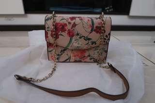 Sling bag bunga