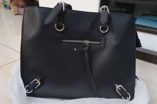 Tas hitam