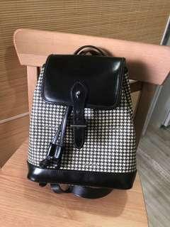 🚚 Vintage Ralph Lauren mini genuine leather minimalist black print backpack handbag
