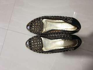 Pazzion gold flats