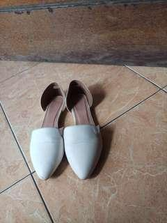Zalora Flat Shoes white