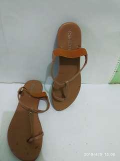 Sepatu sandal flat preloved