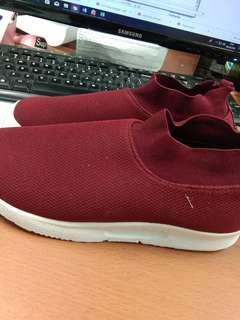 Sepatu Sport Slip Onn