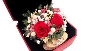 Preserved Flower Wedding Ring Box / Engagement Ring Flower Box / Preserved Rose Arrangement