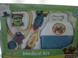 🚚 Fischer Price Sesame Street medical kit