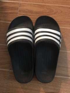 buy popular 922d9 ec1f9 Adidas Duramo Slides Classic