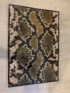 (NEW)Snake Floor Mat