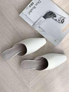 Room4 白剪頭拖鞋