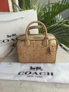 Coach Micro Bennet Satchel With Star Gliter Gold Bahan
