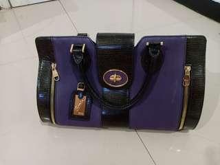 No defect ! Tas Bonia! Super Luxury 😍 black gliter-purple-GOLD recommend