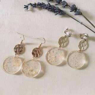 🚚 Carrie Gold Speckled Round Earrings