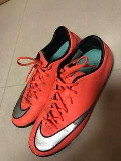 Nike 足球鞋 硬地 波boot
