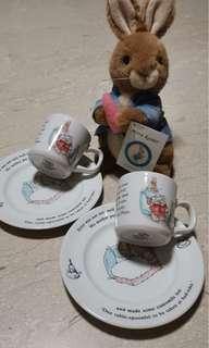 Peter Rabbit Stuffed toy, Cups and plates collectible with story