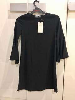 Dress frill sleeve BERSHKA size xs