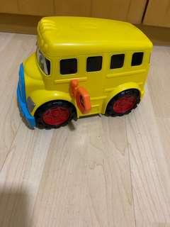 🚚 Toy Bus