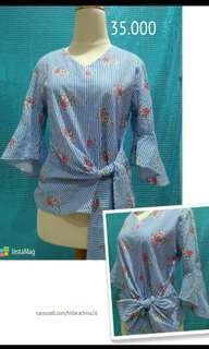 Atasan blouse floral biru