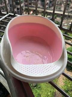 粉色貓砂盆