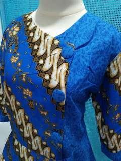 Batik biru fashion