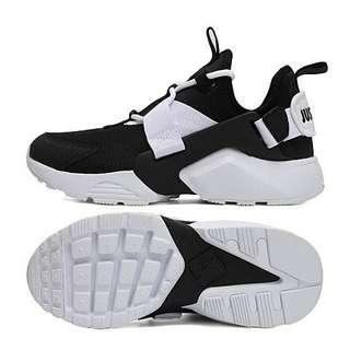 🚚 Nike air huaraches city low 黑白 熊貓 配色 女