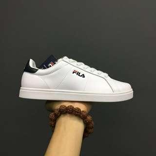 Fila deluxe courts shoe