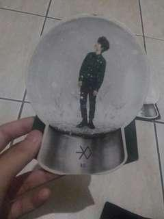 Wtt official Exo Do and Chen Miracle in December snowglobe