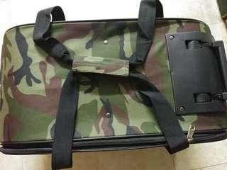 全新迷彩大碼寵物手提拉杆袋(有轆)