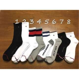 🚚 出清中 Tommy Hilfiger 白色長襪  黑色 中筒 長襪 襪子