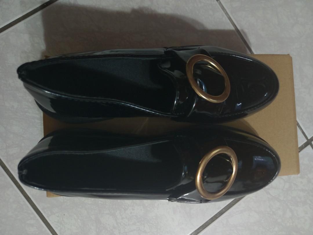 黑色亮面厚底鞋(全新,39號)
