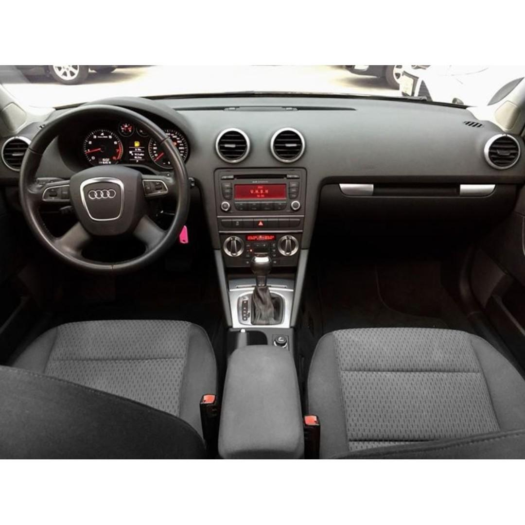 Audi  A3  Sportback  2.0L  '10  黑