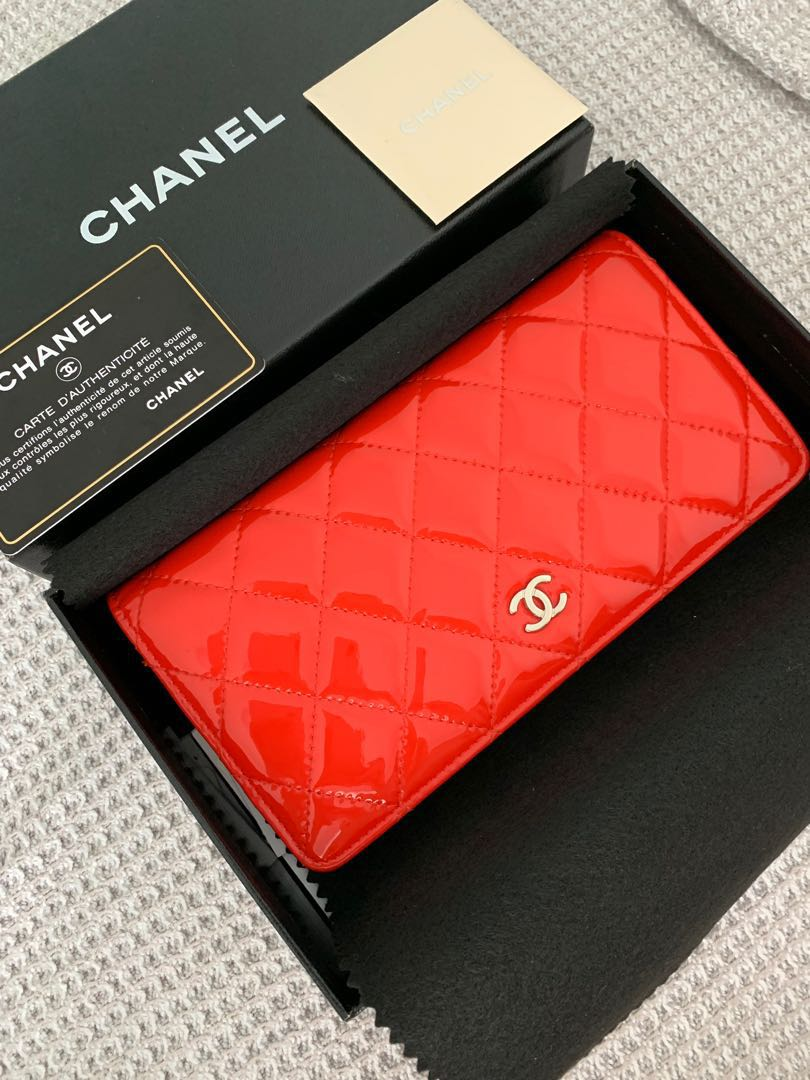 68d64e83e5d647 Full set LIKE NEW Chanel Classic Long Red Patent Flap Wallet Purse Yen  style, Luxury, Bags & Wallets, Wallets on Carousell