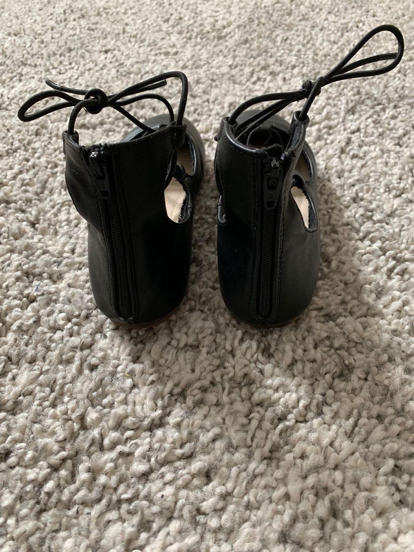 GapKids Girls Black Lace Up Zipper Back Ballet Flats Dress Shoes(Size 12)