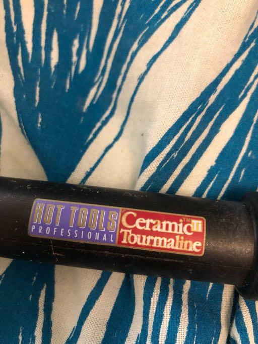"Hot tools 1 1/4"" curling iron"